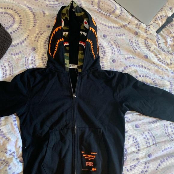 214aab006699 Bape x Undefeated collab double shark hoodie